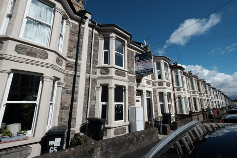 View Full Details for 63 Exeter Road, Southville - EAID:hollismoapi, BID:11