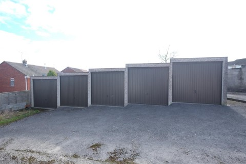 View Full Details for Rank of 5 Garages @ Pound Road, Staple Hill, Bristol - EAID:hollismoapi, BID:21