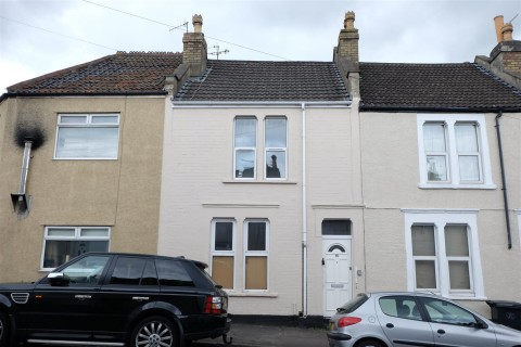 View Full Details for 15 South Street, Southville - EAID:hollismoapi, BID:11