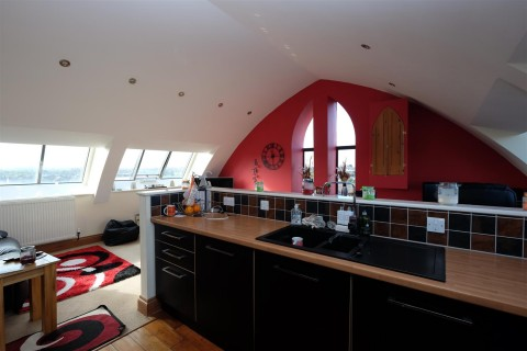 View Full Details for The Penthouse ( 13 ) St Saviours Court,, Weston-Super-Mare - EAID:hollismoapi, BID:11