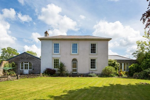 View Full Details for DETACHED PERIOD PROPERTY - ALVESTON - EAID:hollismoapi, BID:11
