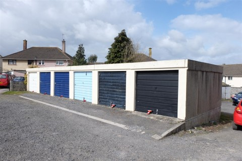 View Full Details for RANK OF 6 GARAGES - EAID:hollismoapi, BID:11