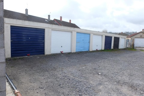 View Full Details for RANK OF 7 GARAGES - EAID:hollismoapi, BID:11