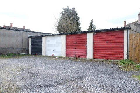 View Full Details for RANK OF 4 GARAGES - EAID:hollismoapi, BID:11
