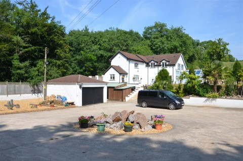 View Full Details for DETACHED COTTAGE IN WOODLAND SETTING - EAID:hollismoapi, BID:11