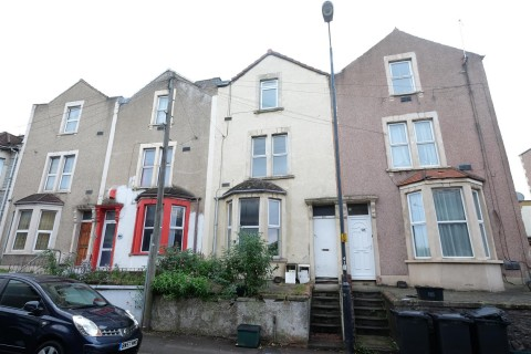 View Full Details for BLOCK OF FLATS - REQUIRE UPDATING - EAID:hollismoapi, BID:11