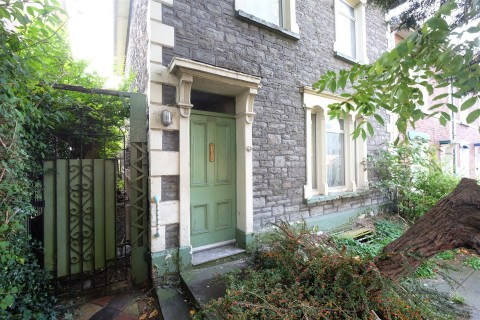 View Full Details for PERIOD PROPERTY FOR MODERNISATION + GARAGE - EAID:hollismoapi, BID:11