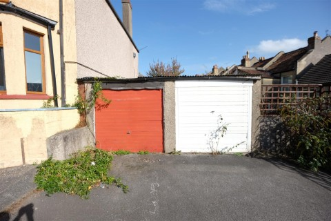 View Full Details for SOUTHVILLE GARGE - EAID:hollismoapi, BID:11