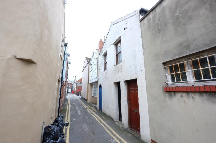 Images for 1 BED FLAT - REQUIRES UPDATING EAID:hollismoapi BID:11