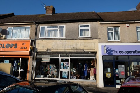 View Full Details for MIXED USE - SHOP + 3 BED FLAT + GARAGE - EAID:hollismoapi, BID:11
