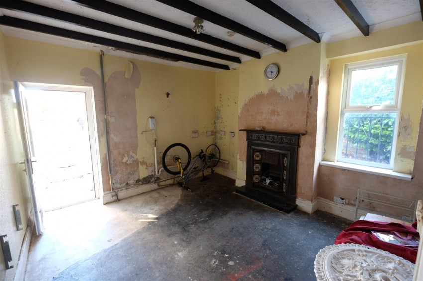 Images for PERIOD HOUSE - REQUIRES MODERNISATION EAID:hollismoapi BID:11