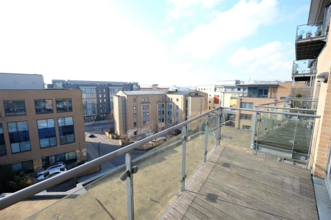 View Full Details for MODERN APARTMENT- REDUCED PRICE FOR AUCTION - EAID:hollismoapi, BID:11