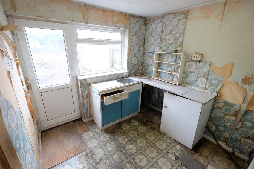 Images for 4 BED FOR UPDATING - YATTON EAID:hollismoapi BID:11