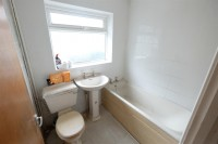 Images for 4 BED FOR UPDATING - YATTON