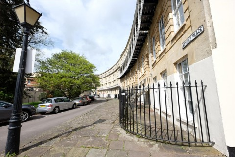 View Full Details for GARAGE - CLIFTON VILLAGE - EAID:hollismoapi, BID:11
