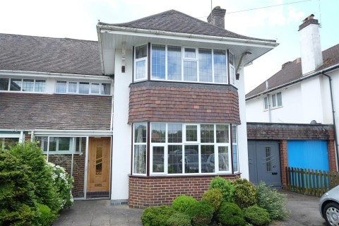 View Full Details for FAMILY HOME FOR UPDATING - LARGE GARDEN - EAID:hollismoapi, BID:11