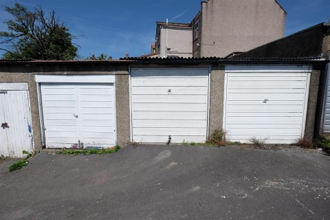 View Full Details for GARAGE - SOUTHVILLE - EAID:hollismoapi, BID:11