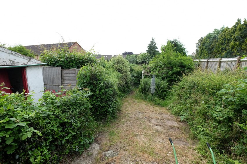 Images for COTTAGE FOR MODERNISATION - LARGE GARDEN EAID:hollismoapi BID:11