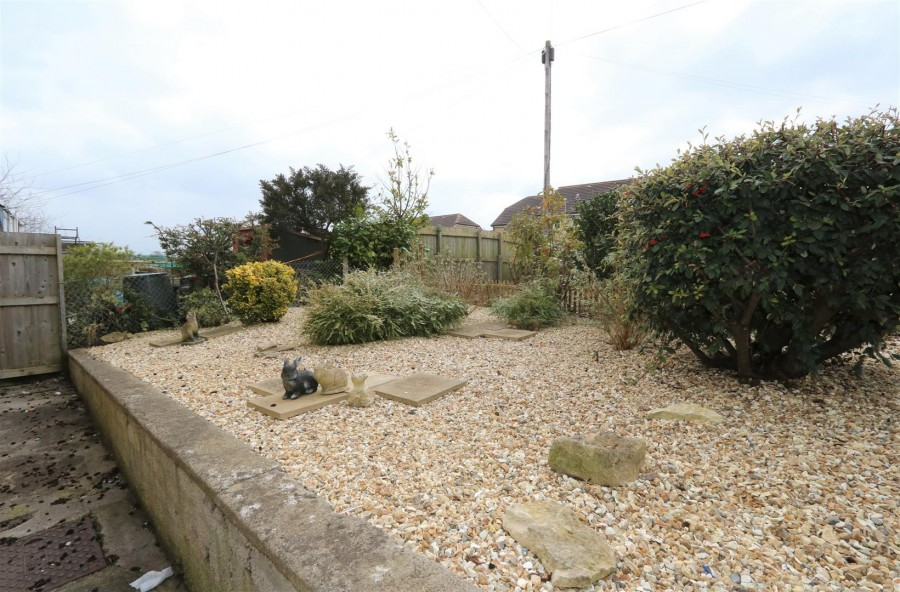 Images for GARDEN FLAT - REQUIRES UPDATING EAID:hollismoapi BID:11