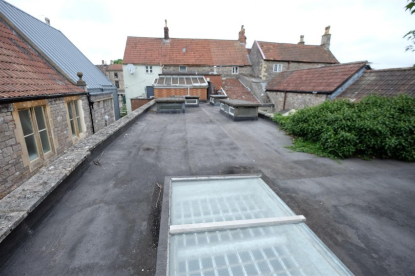 Images for HUGE POTENTIAL - CHIPPING SODBURY HIGH ST EAID:hollismoapi BID:11
