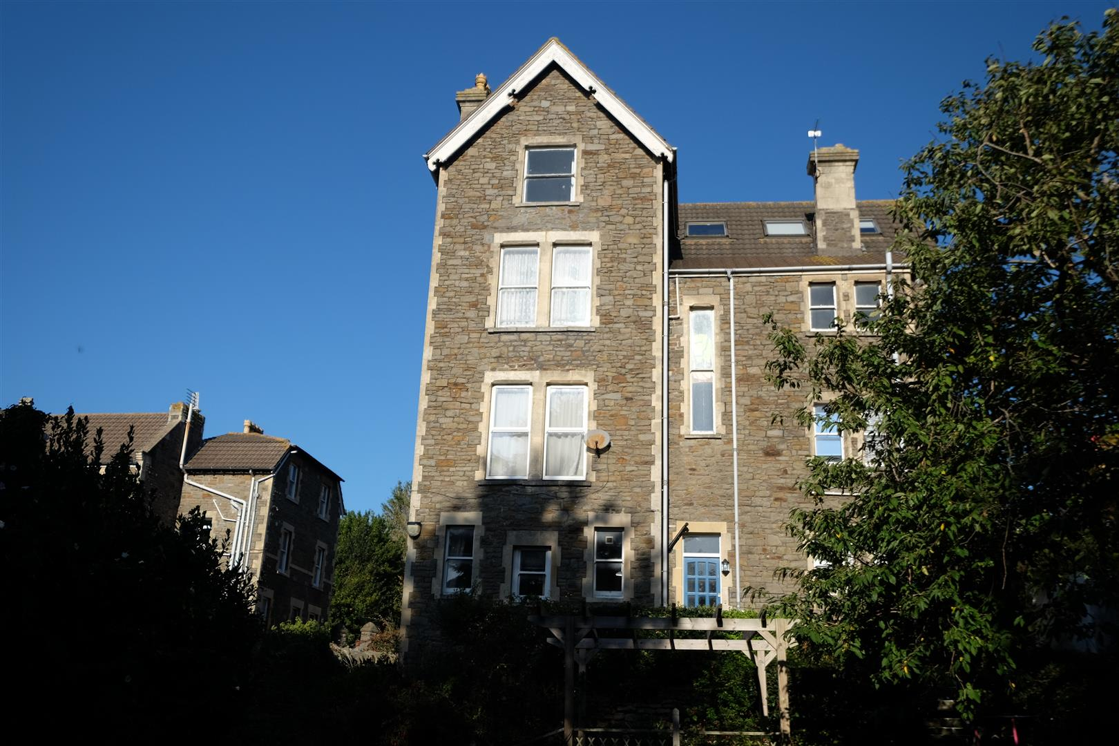 Images for CLEVEDON FLAT - REDUCED PRICE FOR AUCTION EAID:hollismoapi BID:11