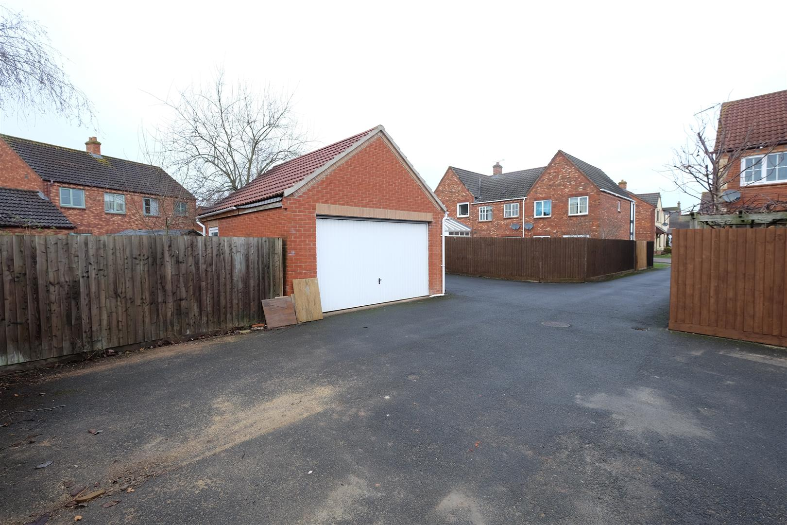 Images for DETACHED DOUBLE GARAGE - TEWKESBURY EAID:hollismoapi BID:11