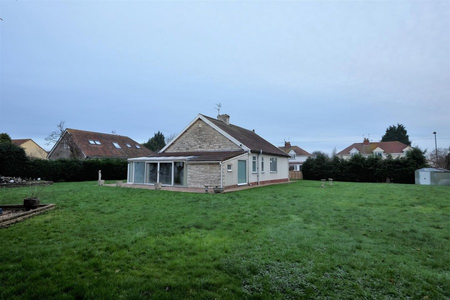 Images for DETACHED BUNGALOW ON LARGE PLOT EAID:hollismoapi BID:11