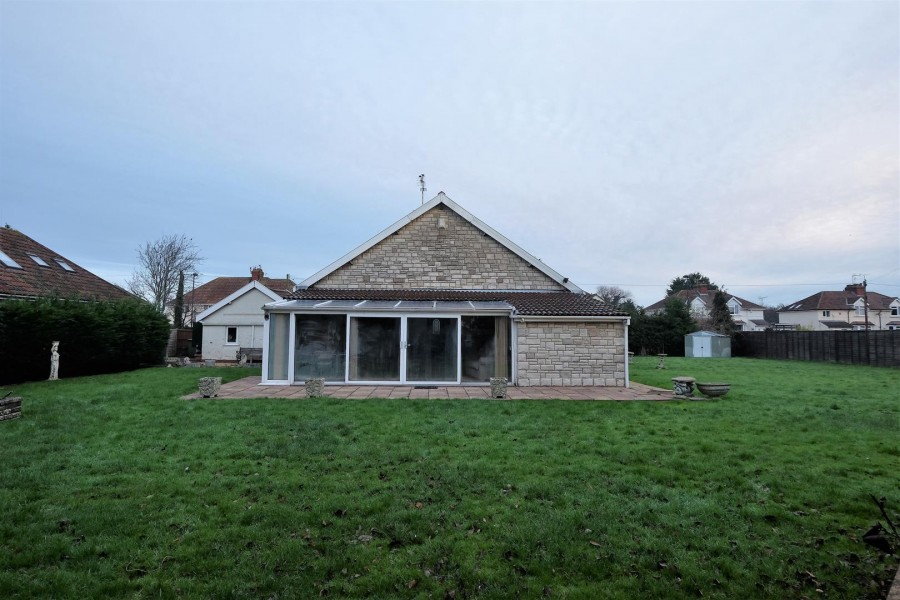 Images for DETACHED BUNGALOW ON LARGE PLOT EAID:hollismoapi BID:21