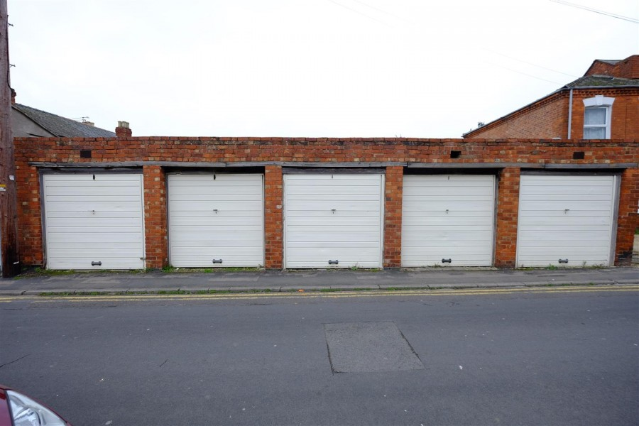 Images for RANK OF 5 GARAGES EAID:hollismoapi BID:11