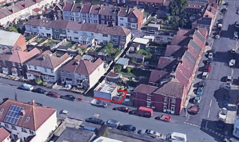 View Full Details for DOUBLE GARAGE - DEVELOPMENT POTENTIAL - EAID:hollismoapi, BID:11