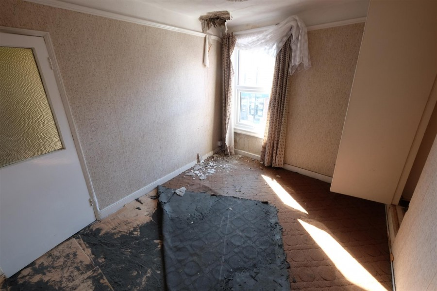 Images for 3 BED FLAT FOR MODERNISATION EAID:hollismoapi BID:11