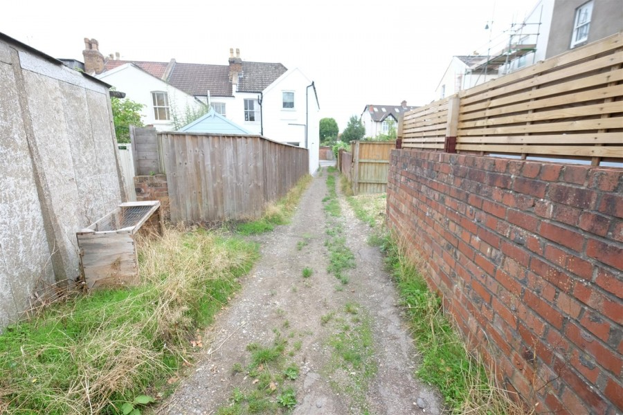 Images for SINGLE GARAGE - REDLAND EAID:hollismoapi BID:11
