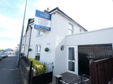 View Full Details for HOUSE WITH POTENTIAL - KINGSWOOD - EAID:hollismoapi, BID:11