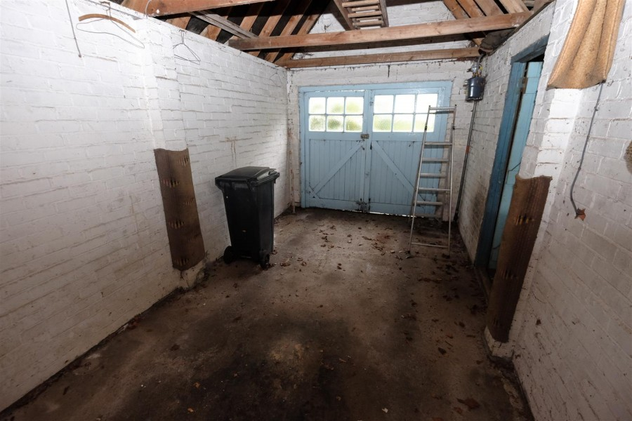 Images for DETACHED HOUSE FOR MODERNISATION - PORTISHEAD EAID:hollismoapi BID:11