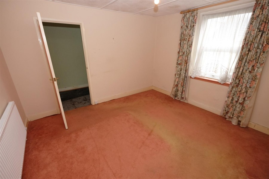 Images for HOUSE / FLATS FOR UPDATING - WSM EAID:hollismoapi BID:11