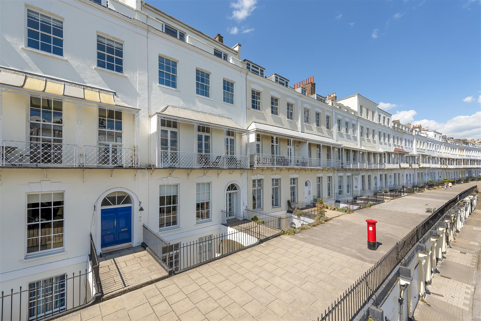 Images for GARAGE @ ROYAL YORK CRESCENT EAID:hollismoapi BID:11