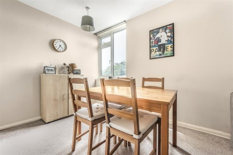 View Full Details for Westacre Close, Westbury - On - Trym - EAID:hollismoapi, BID:1