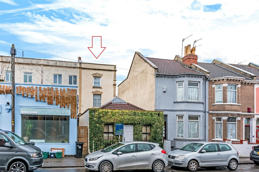 Images for AMAZING FAMILY HOME FOR UPDATING - SOUTHVILLE EAID:hollismoapi BID:11