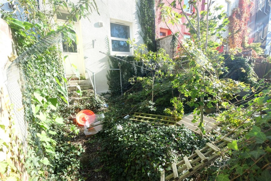 Images for HOUSE FOR UPDATING - TOTTERDOWN EAID:hollismoapi BID:11