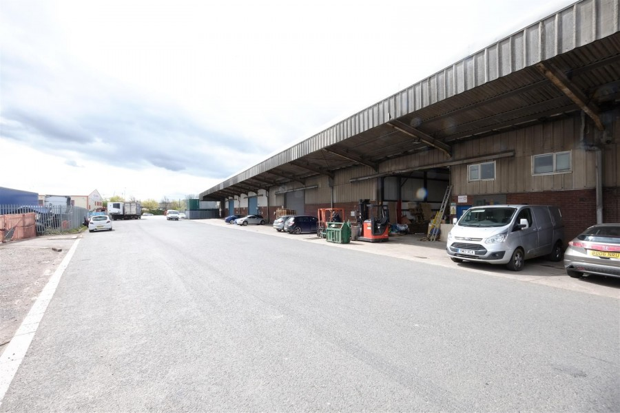 Images for COMMERCIAL INVESTMENT - £152k GROSS INCOME PA EAID:hollismoapi BID:11